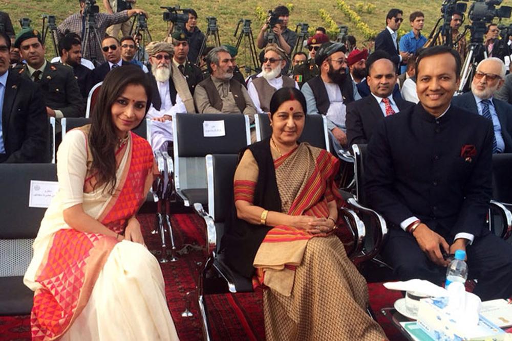 Former External Affairs Minister Sushma Swaraj With Vice President FFOI, Ms Shallu Jindal
