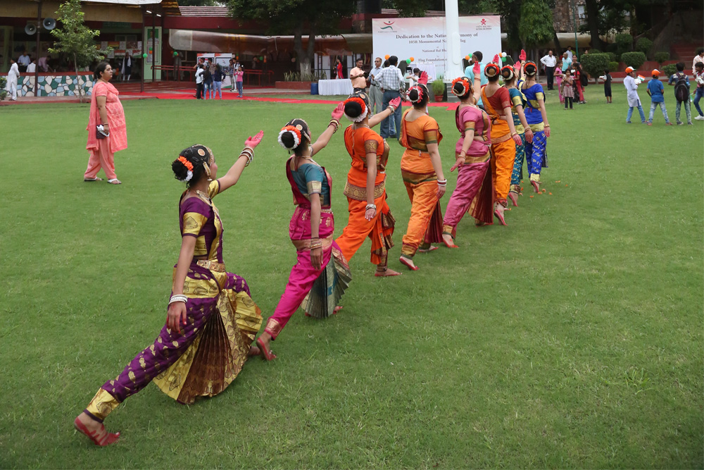 NBB Bharatanatyam Students Paying Tribute to National Flag