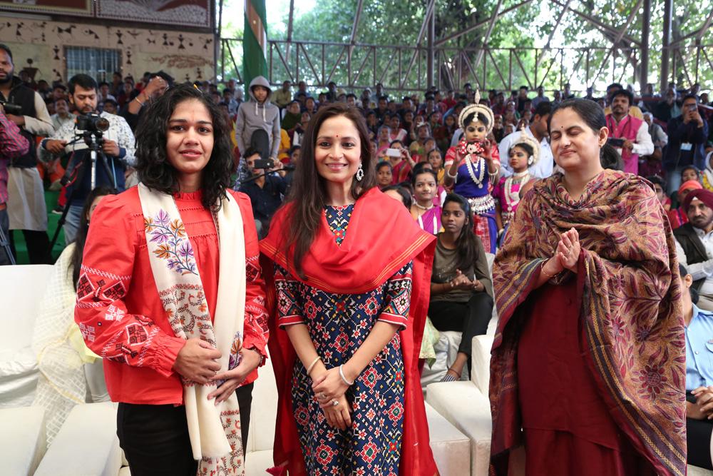NBB Chairperson, Shallu Jindal Welcoming Renowned Sportswoman Ms Babita Phogat at NCA 2018